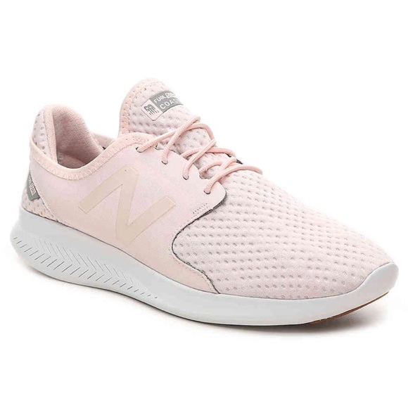 buy online 9d18a d904a New Balance • Blush Fuelcore Coast V3 Sneakers
